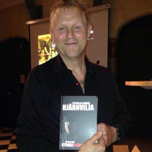 En stolt författare som fått ett större lyft av värmen från HJÄRT-LUNGFONDEN